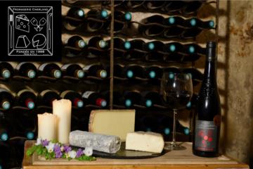 Le Panier fromages et vin rouge